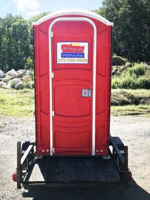 Trailer Mounted Restroom Exterior | Noah's Ark Port-A-Jons